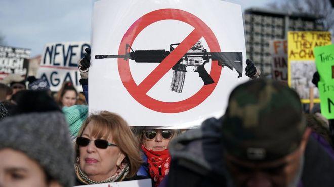 US gun laws: House passes bill expanding background checks - BBC News