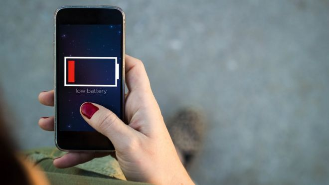 c6cdd9bf156 5 trucos para que tu celular se cargue más rápido - BBC News Mundo