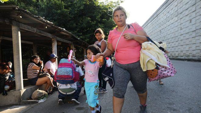 Hàng ngàn người dân Trung Mỹ đặt chân tới thị trấn Santiago Niltepec ở Mexico hôm 29/10