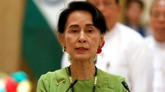 Aung San Suu Kyi ayaa lagu iideeyay in aysan si wanaagsan u maaraynin arrinta Rohingya