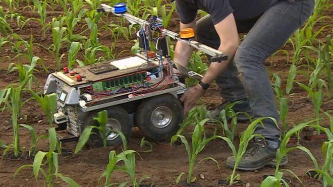 Robot gets a helping hand at Harper Adams
