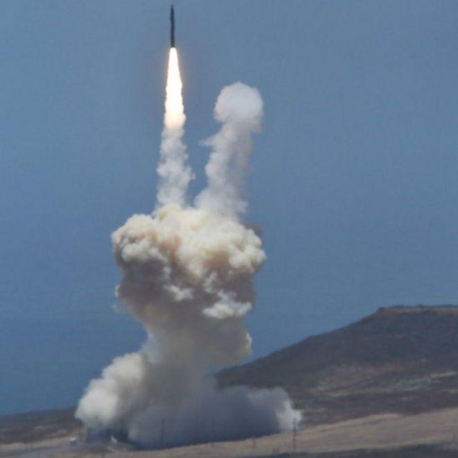 Ensayo con interceptador de misiles