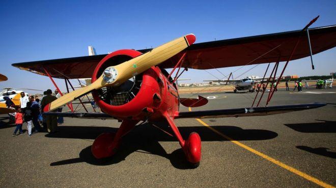 Ethiopia detains vintage air rally pilots - BBC News