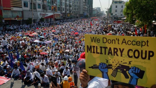 Thousands gather in Mandalay, Myanmar on Monday