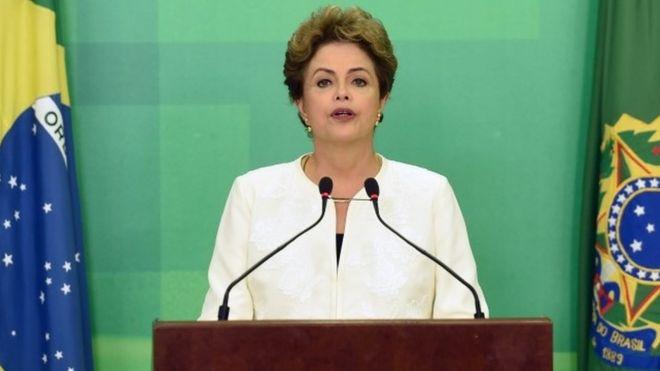 Дилма Руссефф во время прямой телевизионной речи в Бразилии