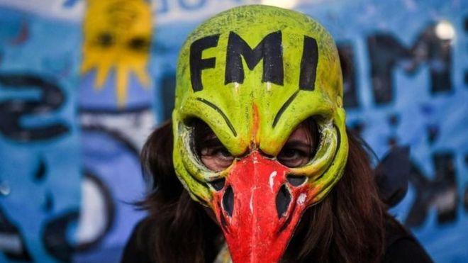 Una mujer protesta contra el FMI en Buenos Aires, el 9 de mayo de 2018
