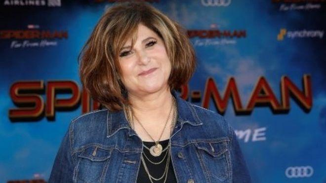 Producer film Amy Pascal termasuk yang digunakan identitasnya oleh Ratu Penipu Hollywood.
