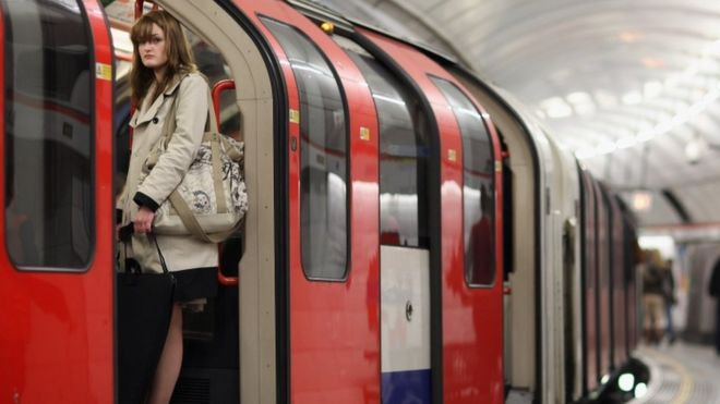 818cd1e0ebd London Tube violent crime rises by 43% in three years - BBC News
