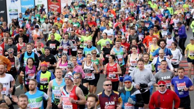 london marathon 2016 major tim peake launches race bbc news
