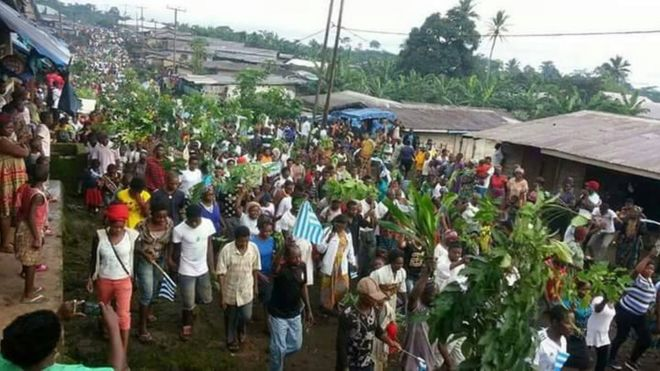 Why southern cameroon wan comot bbc news pidgin south cameroon people gather publicscrutiny