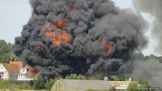 Shoreham air crash: Eyewitness accounts - BBC News