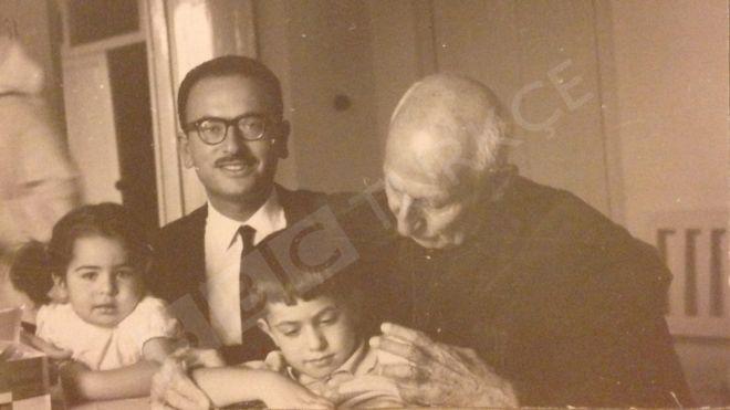 İngiltere ve ABD'nin darbeyle devirdiği İran Başbakanı Musaddık'ın torunu dedesini anlattı: Mirası hâlâ ilham veriyor (16 Ocak2019 )