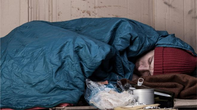 Christmas Helping Homeless.What Are The Best Ways Of Helping Homeless People Bbc News