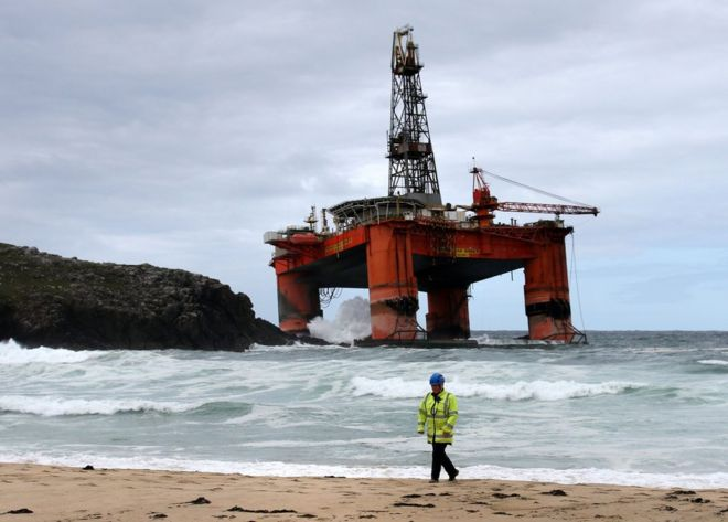 high winds likely to hit transocean oil rig salvage bbc news