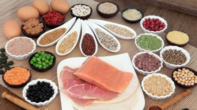 منتجات غذائية متنوعة