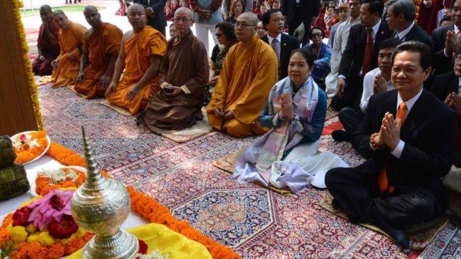 Đây không phải là lần đầu một lãnh đạo cao cấp Việt Nam đến thăm ngôi đền này. Hồi tháng 10/2014, cựu thủ tướng Nguyễn Tấn Dũng cũng tới đền Mahabodhi cùng phu nhân.
