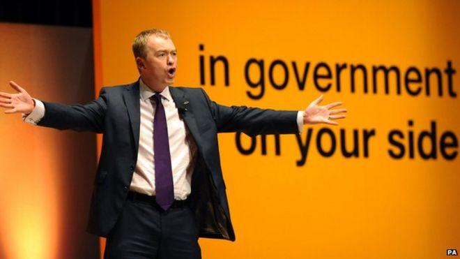 Тим Фаррон выступает на партийной конференции 2012 года по либеральной демократии