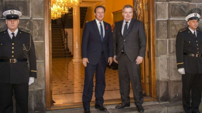 Премьер-министр Дэвид Кэмерон и его исландский коллега Зигмундур Гуннлаугссон