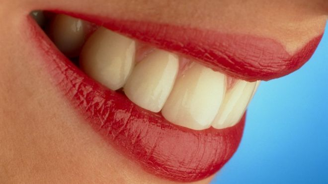 How dangerous is teeth whitening? - BBC News