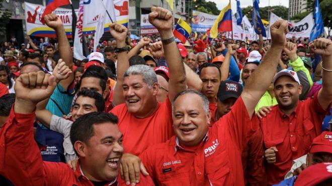 Maduro yandaşları, Kurucu Meclis referandumu sonuçlarını kutlarken