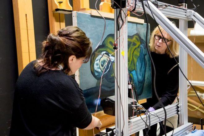 A pintura escondida atrás de uma obra-prima de Picasso