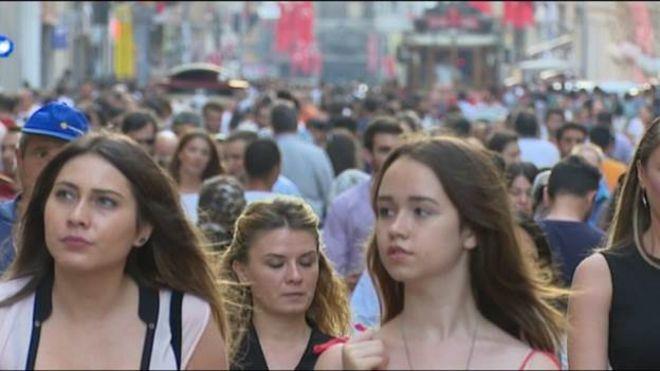 تركيا: تراجع الليرة فرصة ذهبية للسواح