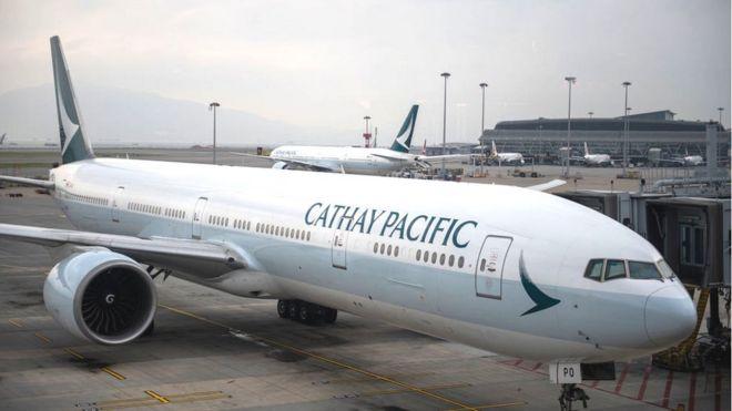 Cathay Pacific quadruplica conteúdo de entretenimento a bordo