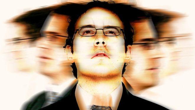 Человек с галлюцинациями