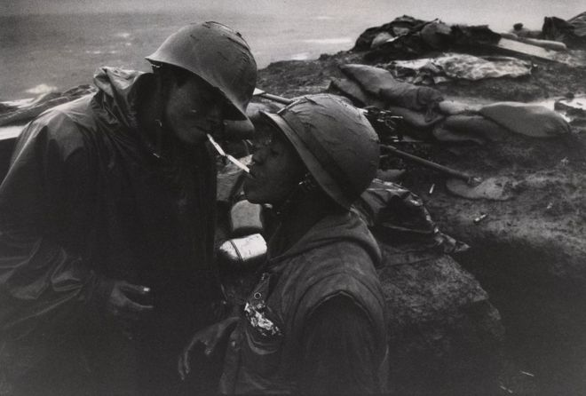 صورة لجنديين من حرب فيتنام عام 1967