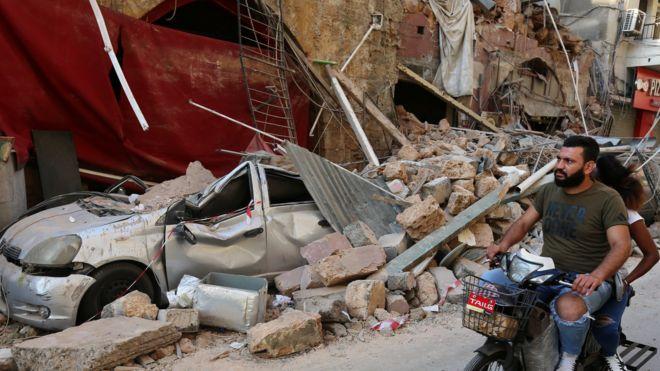 أحد مشاهد الدمار في بيروت