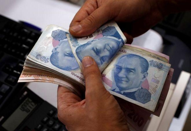 Dolar/TL'de günlük yükseliş yüzde 5,5'i aştı