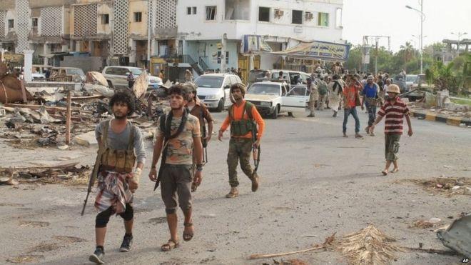 yemen conflict dozens killed in aden heavy shelling bbc news