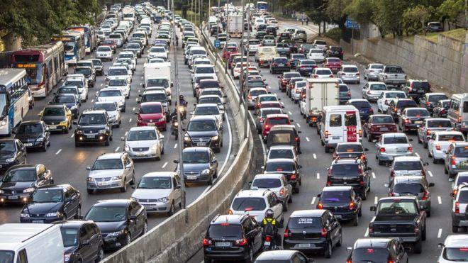 Resultado de imagem para foto de carros nas ruas de são paulo