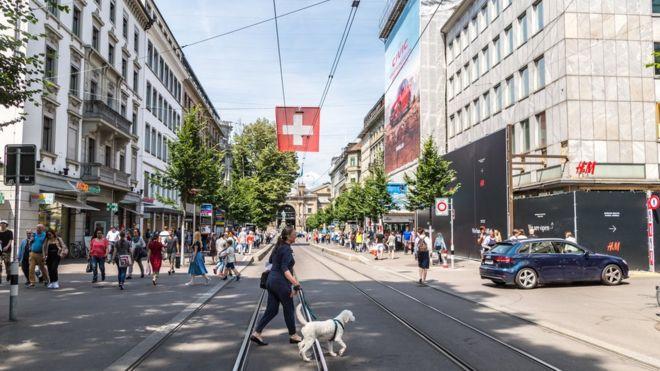 86e4091137c4 Por qué la ciudad suiza de Zúrich va a expulsar a 130 millonarios de ...