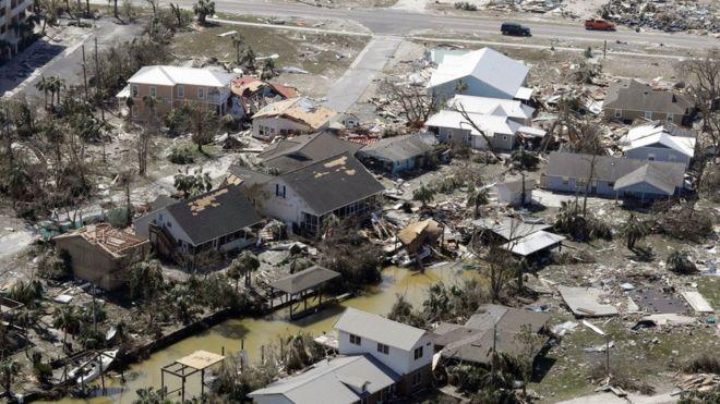 Imagen aérea de la devastación del huracán Michael en Mexico Beach.