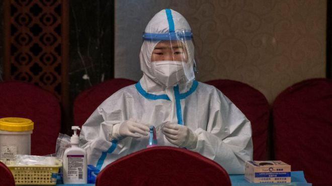Personal sanitario de China, en marzo de 2021.