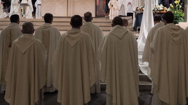 Mass in a Paris church (file picture)