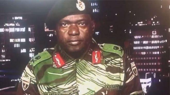 عسكري يقرأ بيان على القناة الرسمية صباح الاربعاء
