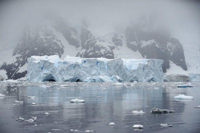 بحيرة جليدية
