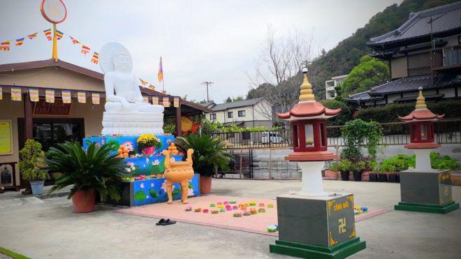 Cảnh sát cần làm rõ tiền của chùa được sử dụng vào việc gì.