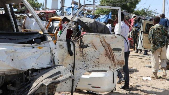 Взрыв автомобиля в Сомали: по меньшей мере 76 погибших