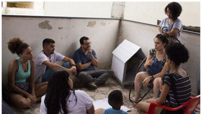 Jovens em reunião do festival TodoJovemÉRio