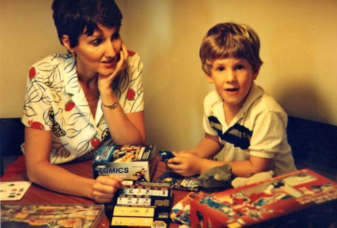 Сью Клиболд со своим сыном Диланом в детстве