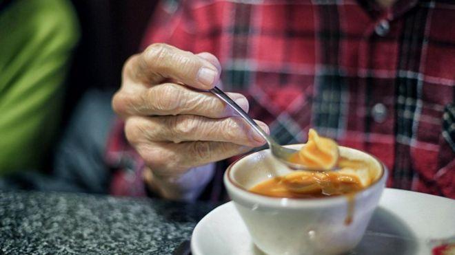 В пожилом возрасте важность правильного питания для поддержания здоровья возрастает еще больше