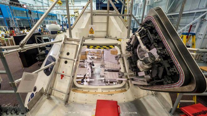 """Инженеры НАСА уже построили макет """"Ориона"""", чтобы астронавты могли попробовать, как они будут чувствовать себя внутри"""