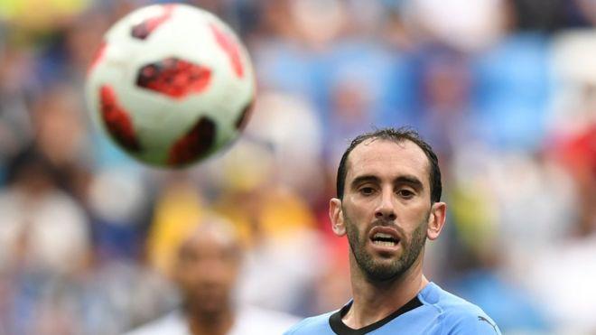 Barca na zawarcin dan PSG, Juventus na son dan Atletico - BBC News Hausa