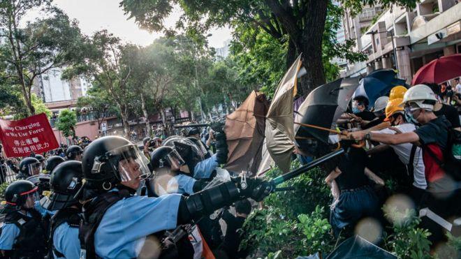 香港示威与警察冲突