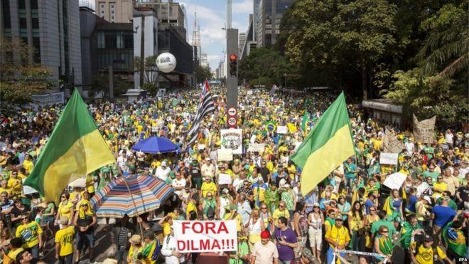 Антиправительственные демонстранты в Сан-Паулу, 16 августа, 15 августа
