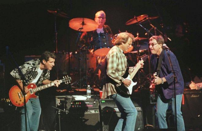 """Country-rock grubu Eagles'ın """"En iyi Şarkılar 1971-1975"""" albümü ile ilgili görsel sonucu"""
