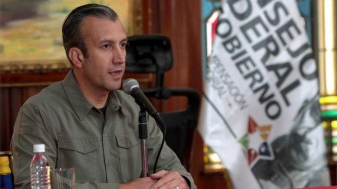 На раздаточном материале, предоставленном пресс-службой вице-президента Венесуэлы, изображен вице-президент Венесуэлы Тарек Эль Айссами, выступавший на заседании правительства в Каракасе, Венесуэла, 14 февраля 2017 года